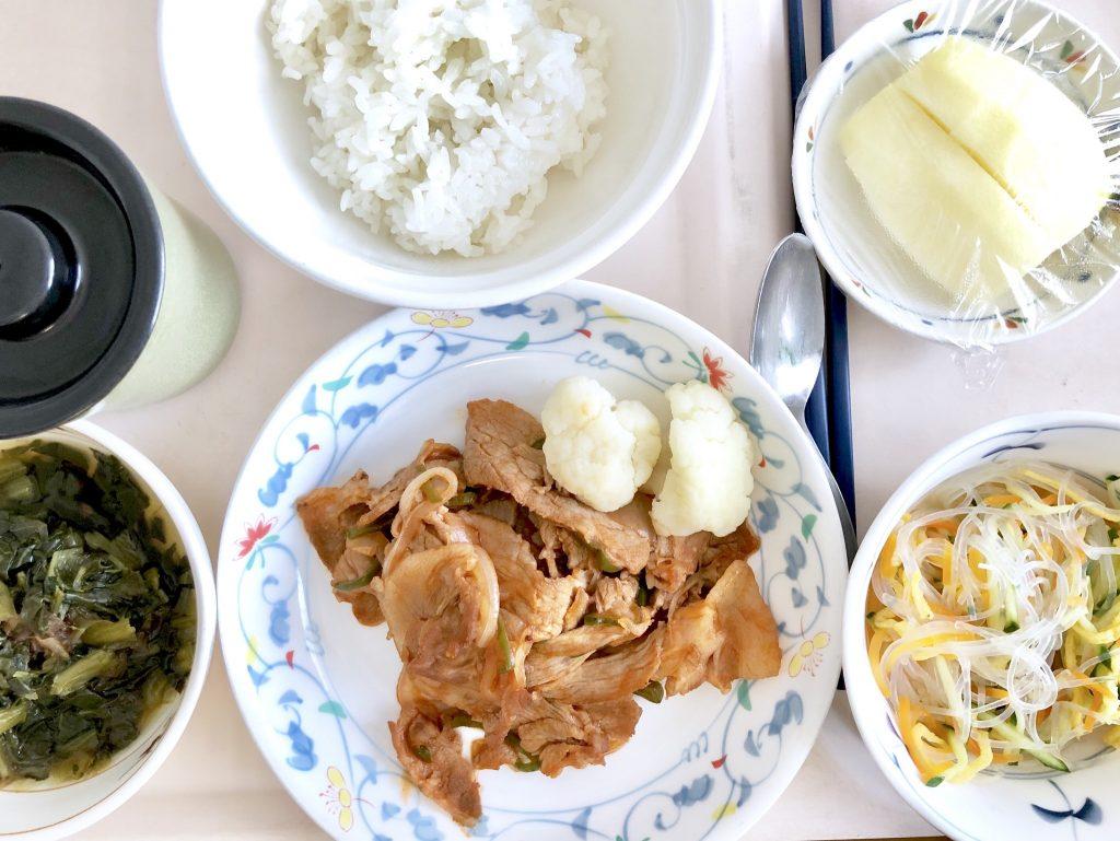 豚肉のケチャップ炒め、ほうれん草の鰹出汁和え、春雨の甘酢和え